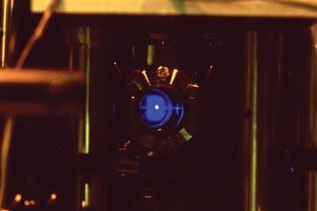 SpectroAtom_SrBlue_MOT_Dec2.jpg