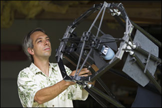 Olivier Guyon identified the theoretical limit on the performance of planet-hunting telescopes.