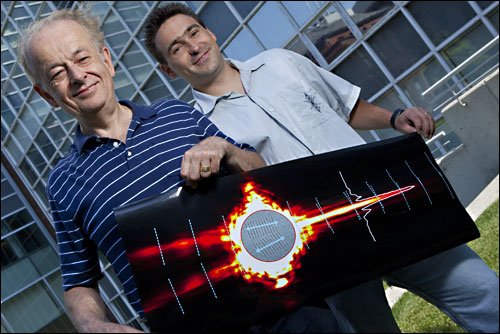 Federico Capasso (left), Patrice Genevet (right) and an international team of colleagues have demonstrated a new type of tightly controlled lightwave that could eliminate signal loss in on-chip optical devices.