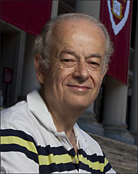 Federico Capasso, the Robert L. Wallace Professor of Applied Physics and Vinton Hayes Senior Research Fellow in Electrical Engineering at Harvard SEAS.