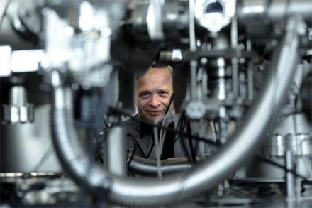 Elastic Peak Electron Spectroscopy Theorized for Surface Analysis