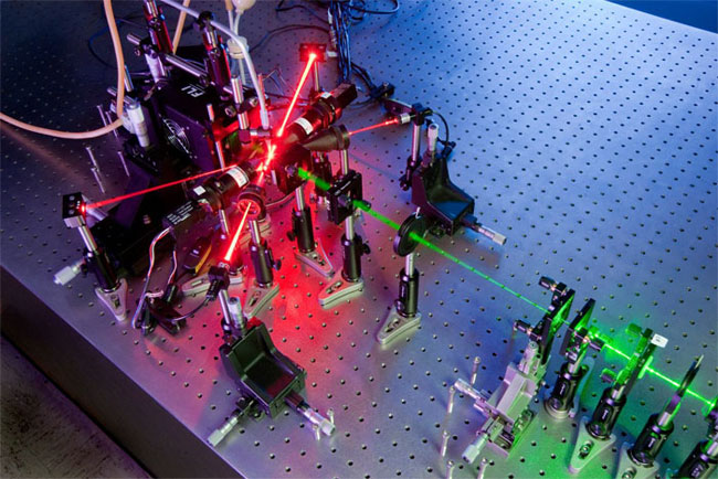 Lasers, holography used to identify free-flowing aerosol particles, Kansas State University.