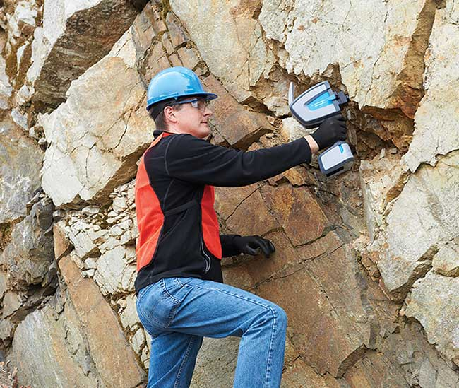 Handheld FTIR devices provide a lightweight, ergonomic, nondestructive spectrometer, which enables direct rock and mineral identification, and assessment of soil composition.
