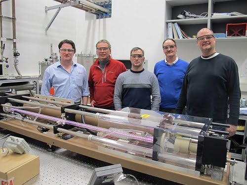 An Edinburgh Instruments FIRL100 CO2/ FIR (THz) Laser system has been installed at the Dresden High Magnetic Field Laboratory (HLD) Helmholtz-Zentrum Dresden-Rossendorf (HZDR).