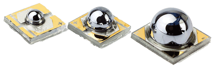 Uncooled detector chips with a monolithic immersion flip-chip that is mounted to sapphire chip carriers.