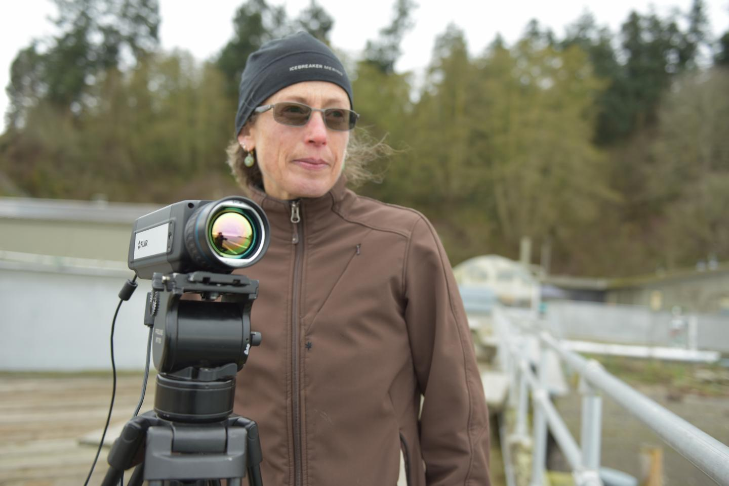 PNNL engineer Shari Matzner uses ThermalTracker software with a thermal video camera to analyze video to help birds and bats near offshore wind farms.