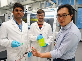(l-r) Sudhir Kumar, Jakub Jagielski and Chih-Jen Shih with their ultragreen LED. ETH Zurich.