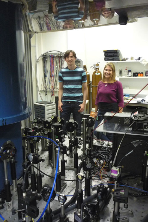Tom Bosma and Carmem Gilardoni in their optical lab at the University of Groningen. Courtesy of the University of Groningen.