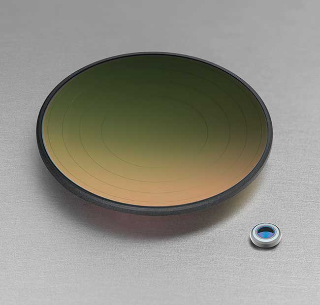 An IG6 molded aspheric diffractive lens with antireflection coating (~25 mm) and a 2.5-mm IG5 biconvex collimation lens.
