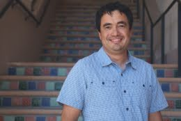 Javier Read de Alaniz, UCSB professor of chemistry. Courtesy of Sonia Fernandez.
