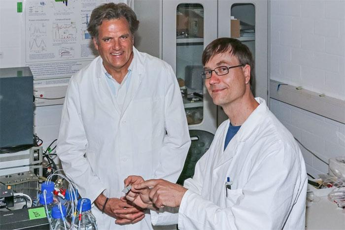 The infrared sensor was developed by Klaus Gerwert (left) and Jörn Güldenhaupt. Courtesy of Gerd Kock. Ruhr University Bochum.
