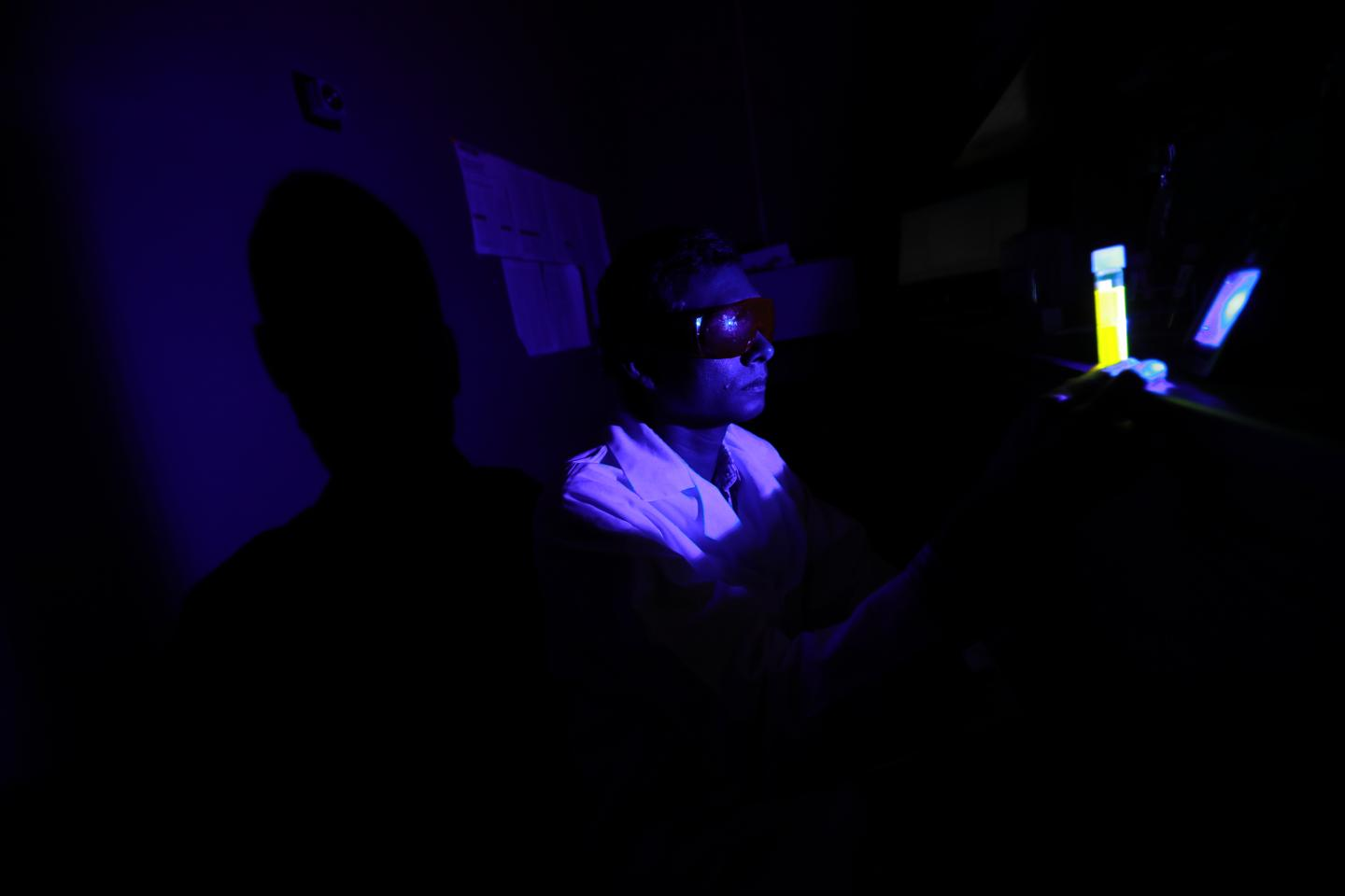 Dr. Ajith Karunarathne examined toxic oxygen generation by retinal during blue light exposure. Courtesy of Dan Miller, The University of Toledo.