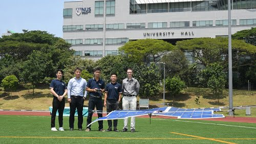 The quadcopter drone developed by the NUS Engineering team can be powered solely by sunlight and has flown above 10 meters in test flights. Courtesy of NUS.