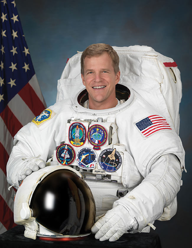 Dr. Scott Parazynski will give the keynote address at the 2019 ASLMS conference. He is a physician, former NASA astronaut and researcher, and founder and CEO of Fluidity Technologies.