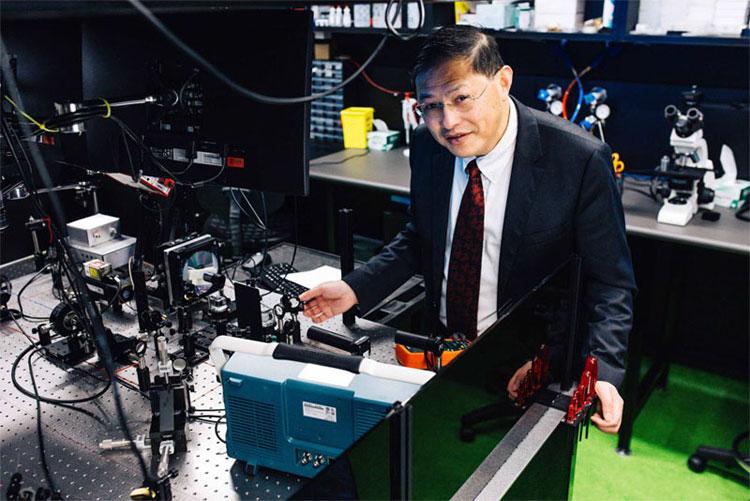 Distinguished professor Min Gu, RMIT University.