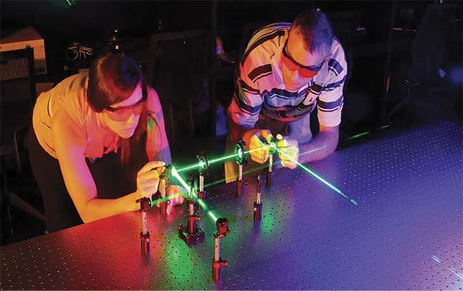 IRSC photonics program students set up an interferometer. Courtesy of LASER-TEC.