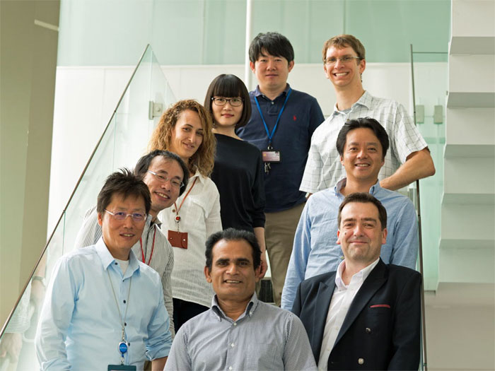 Kyushu University organic laser diode team.