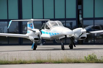 Modified research aircraft Diamond DA42 of the research project C2Land of the Technical University of Munich (TUM) and the Technische Universität Braunschweig. Courtesy of Andreas Dekiert.