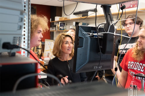 Massachusetts Lieutenant Governor Karyn Polito tours a lab at Bridgewater State University. Courtesy of MIT.
