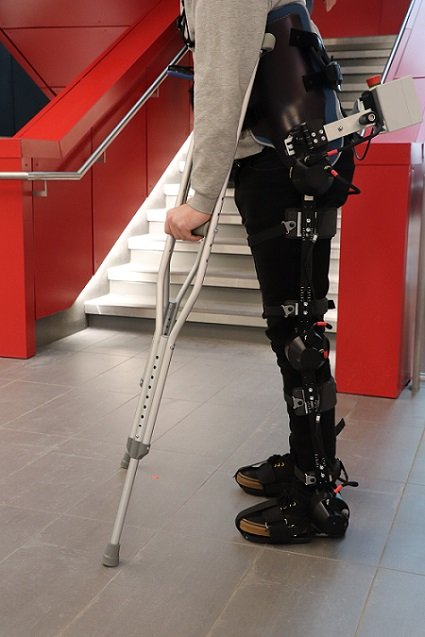A demonstration of an exoskeleton system equipped with machine vision technology. Courtesy of the University of Waterloo.