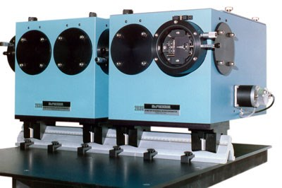 Model 2035 Double Monochromator