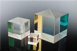 Neutral Broadband Cube Beamsplitter