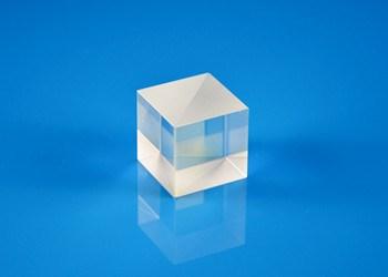 Polarizing Cube Beamsplitters