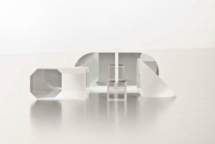 Non Polarizing Cube Beam Splitter