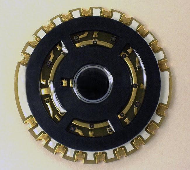 Wearable Optoelectronics