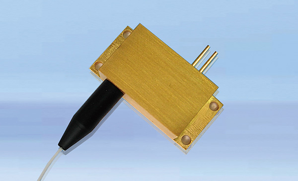 878.6nm high-power wavelength stabilized laser diode